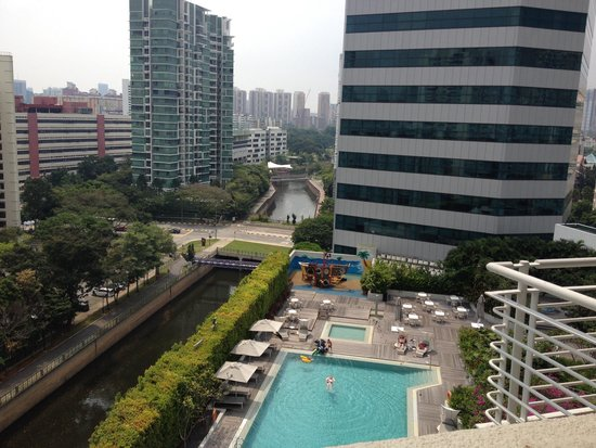 Fraser Suites Singapore : View from the balcony
