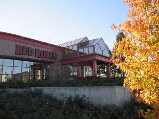 Red Robin Gourmet Burgers : Street View
