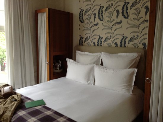 Sloane Square Hotel: best bed in a hotel ever