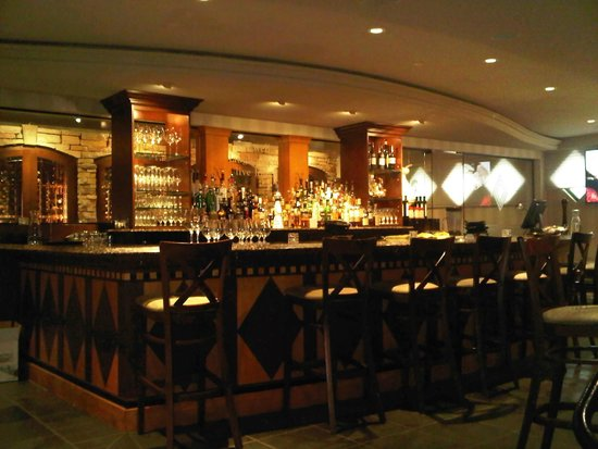 Lord Nelson's Seafood-Steak: Bar area