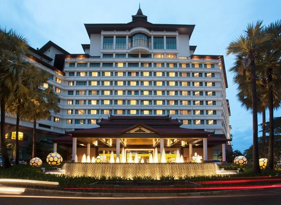 Sedona Hotel Yangon Facade