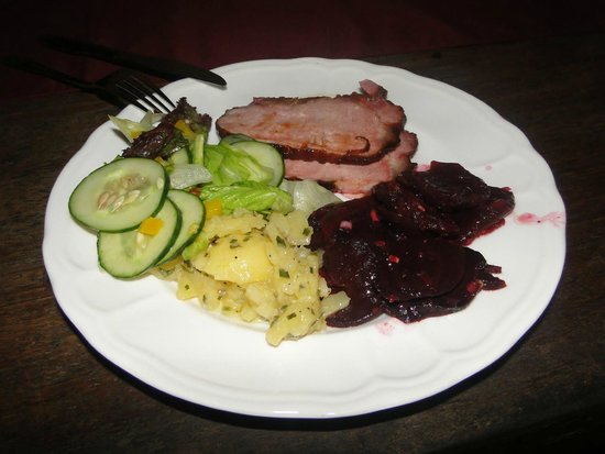 Little Tree Cafe: Honey glazed pork ham with beetle root and potato salad