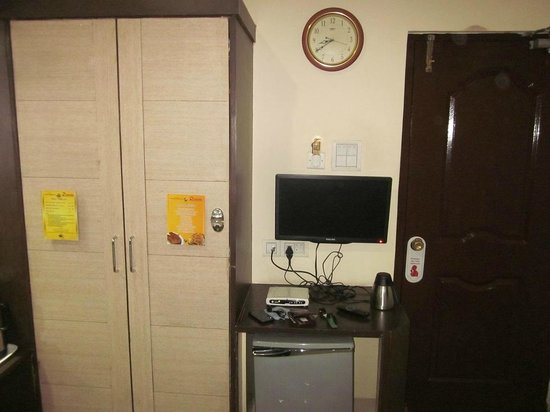Hotel Savera Residency : Other amenities like TV
