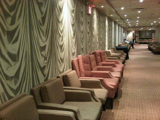 Hamilton Plaza Hotel and Conference Center: What's with all the chairs?