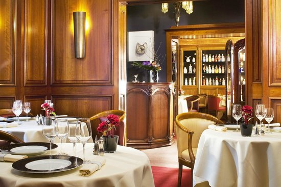 Photo of French Restaurant Maison Rostang at 20,rue Rennequin, Paris 75017, France