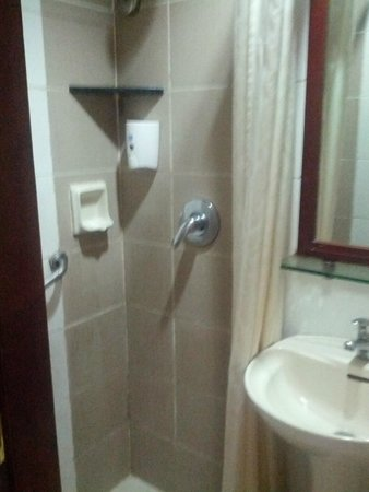 Hostel 1632 : 室内のシャワーブース