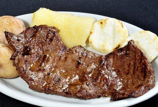 carne con arepa