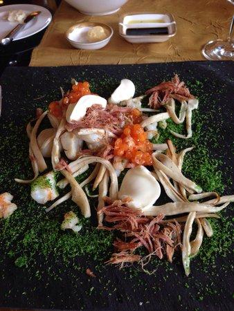 Yue Rong Zhuang MingYue Restaurant