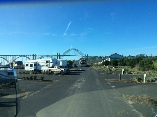 Port of Newport RV Park: Beautiful November Day and View of the Bridge