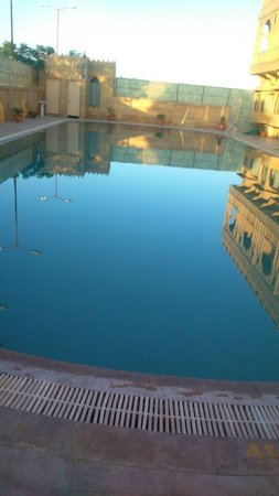3 Palms Jaisal Vilas: Beautiful Day.. relaxing