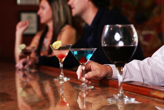 River City Grill: Full Bar with a great martini menu