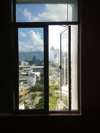 GV Tower Hotel : 窓からの景観