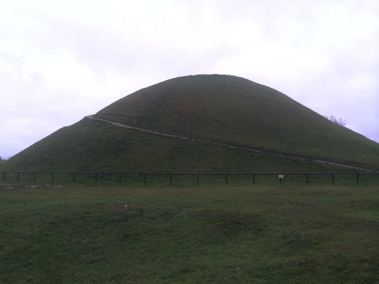 Krakus Mound: The hill