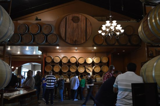Wilson Creek Winery: Interior.