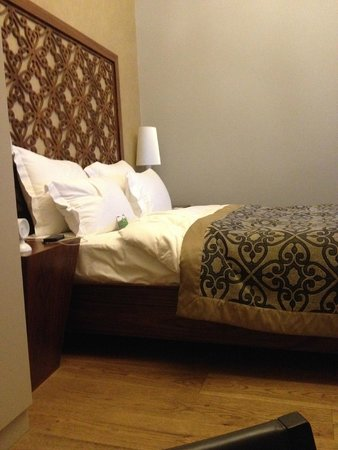 Stories Hotel Karakol: Кровать