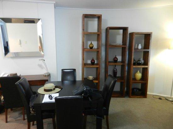 Oaks Felix: dining / kitchen area