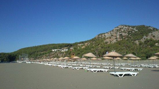 The One Club Hotel: Песчаный пляж