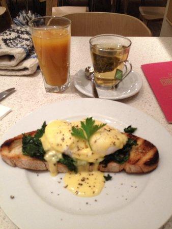 Carluccio's Aberdeen: Eggs florentine