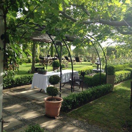 Hans Herzog Estate: Wonderful garden