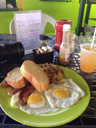 Belly Button's: Breakfast