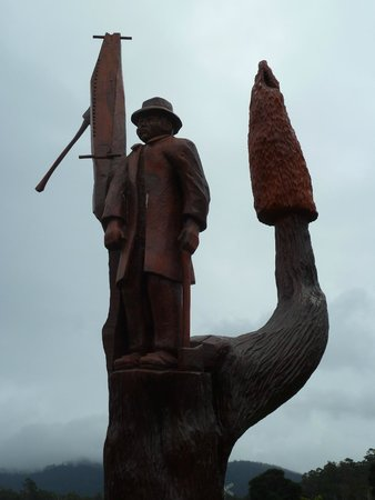 Chainsaw Carvings : #6