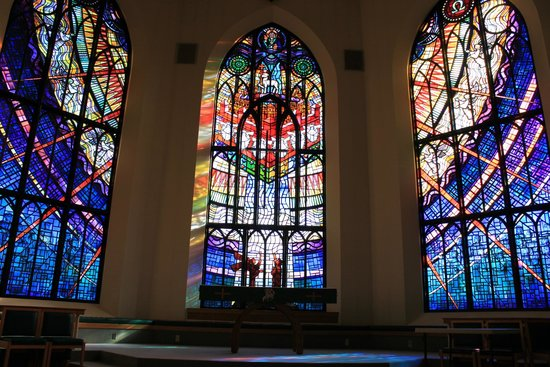 Christ Church Cathedral: Beautiful stained glasses