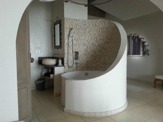 Les Lumieres de Geneve: Bathroom