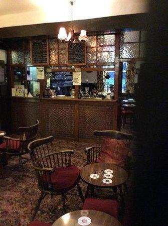 Ye Horns Inn: the bar