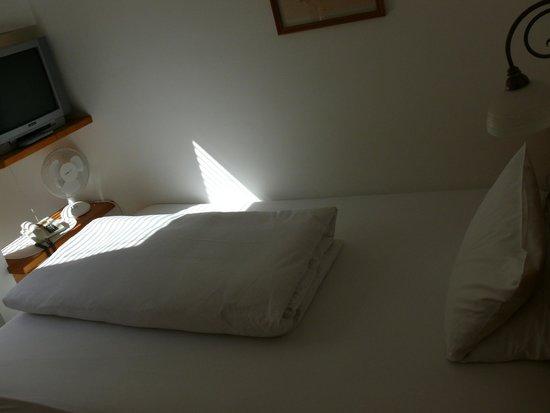 Hotel Villa Kefer: Кровать