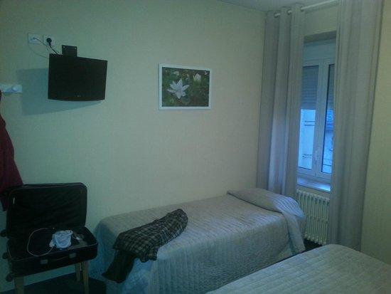 Hotel du Midi : chambre premier prix