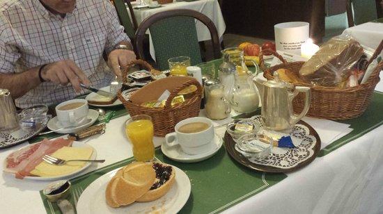 Hotel Brack: Desayuno