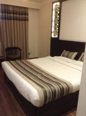 Hotel Royale Residency: bedroom room 212