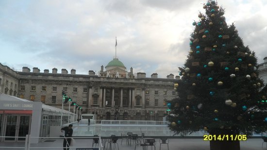 Somerset House Ice Rink : Somerset skate