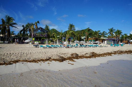 La Playa Orient Bay : Beach area for hotel guests