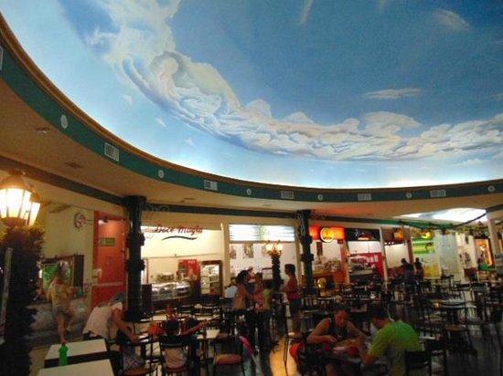 3623e6947 Artigianale Restaurante E Chopperia: Simpática praça de alimentação. Oeste  Plaza Shopping em Andradina