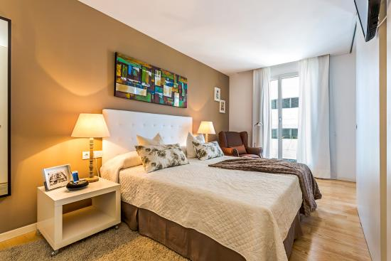 Homearound Rambla Suites & Pool