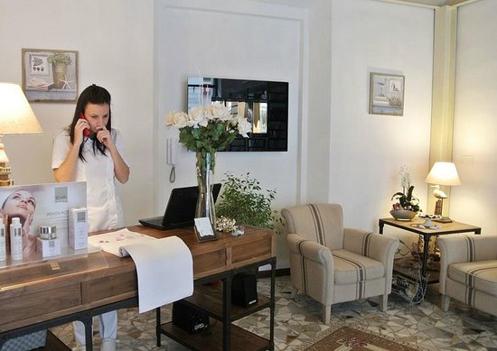 Ingresso foto di centro estetico kentia pietrasanta for Arredamento centro estetico prezzi