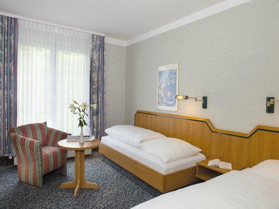Superior zimmer mit wohn schlafbereich picture of victors residenz