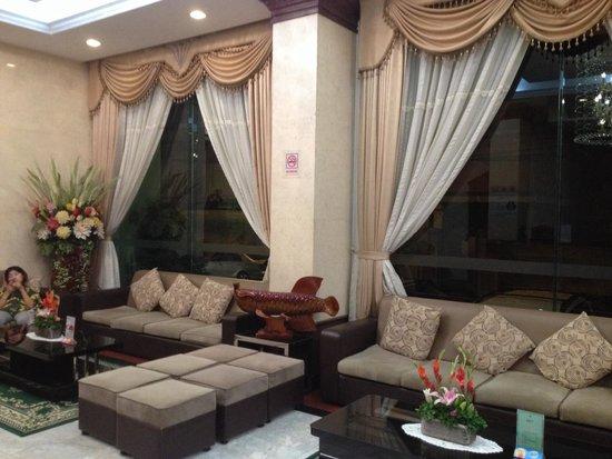 Green Palace Hotel: Lobby shot 2