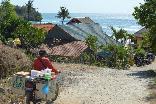 Merta Sari Bungalow : o caminho para a praia de jimbaran