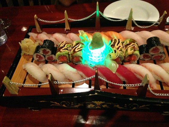 Dao Fusion Cuisine & Lounge: Sushi for 2