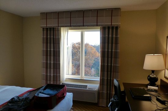 Country Inn & Suites By Carlson, Princeton : A bit of the room and the window