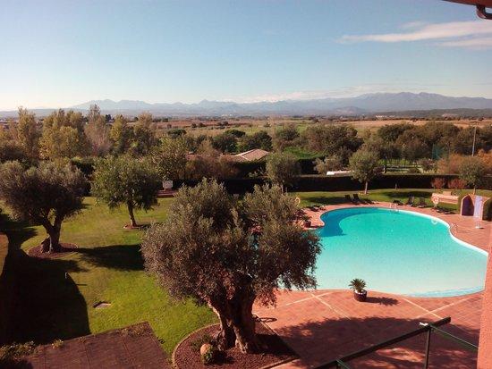 Hotel Peralada Wine Spa & Golf: Vistas de la piscina