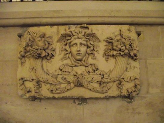 082725f2dec Relógio na fachada da torre do relógio visto do Quai de l Horloge ...