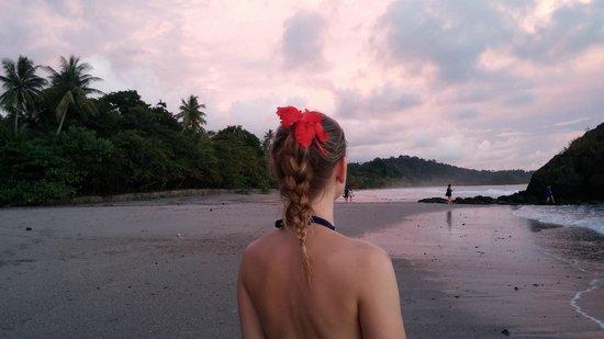 Espadilla Ocean Club: Playa Espadilla at sunset