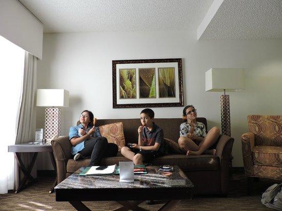 Quality Suites Lake Buena Vista: sofá cama: cómodo para sentarse, no tanto para dormir