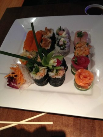 Maiko Sushi : L'Éventail de Maïko for two