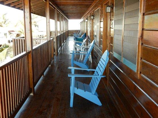 Trudy's Hotel: Balcony ouitside room.