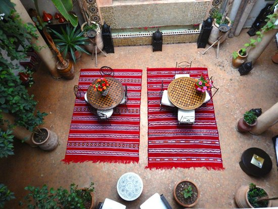 Riad Mur Akush: Dinner is served here