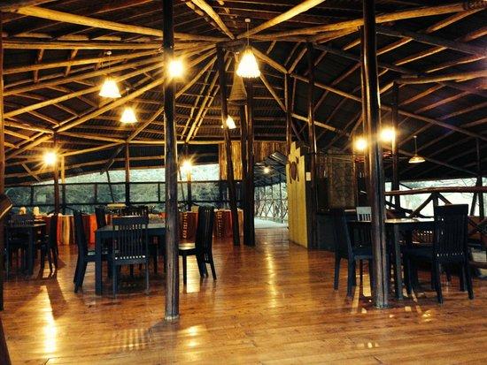 Olowuaru Keri Mara Camp: Dining